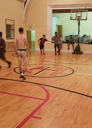 Holy hoops players 300