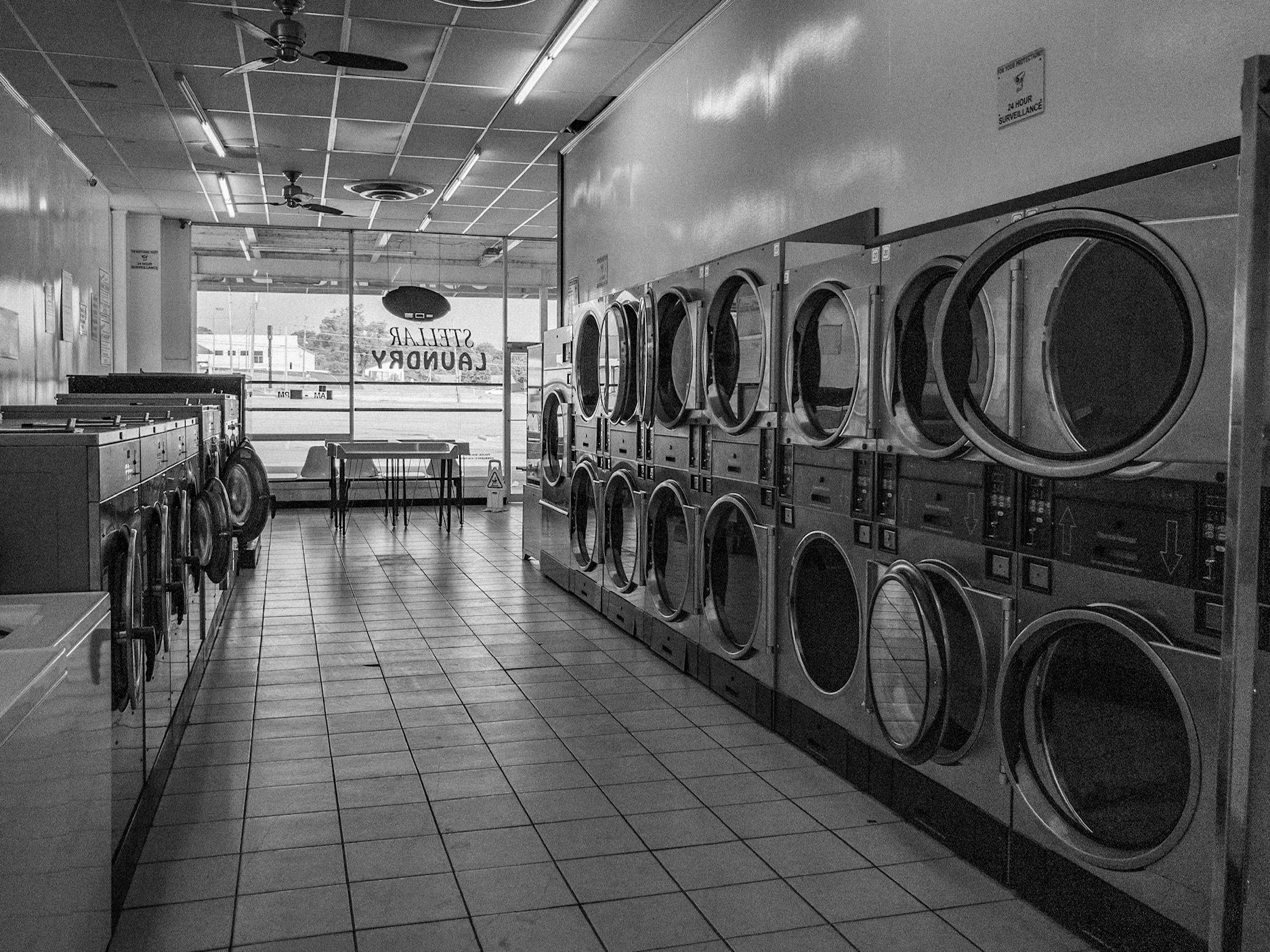 Laundromat bw apc 0350