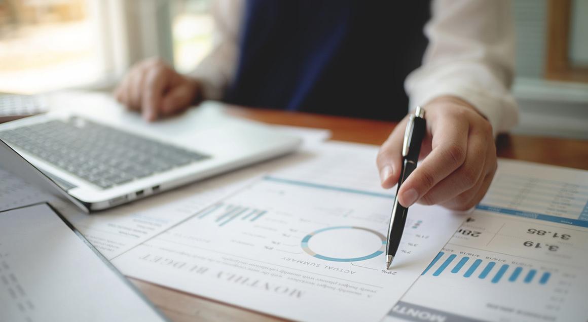 Stock financial analysis 72px