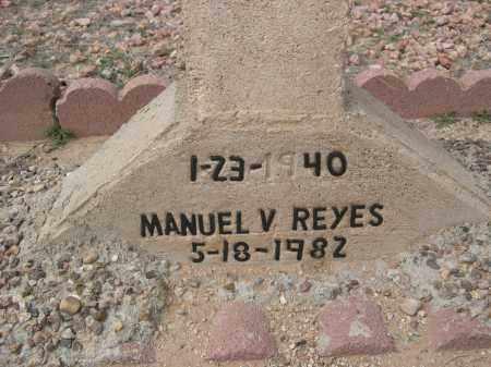 REYES, MANUEL V. - Pinal County, Arizona | MANUEL V. REYES - Arizona Gravestone Photos