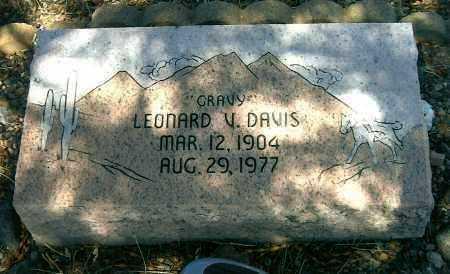 DAVIS, LEONARD VICTOR - Yavapai County, Arizona   LEONARD VICTOR DAVIS - Arizona Gravestone Photos