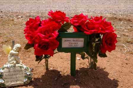 VALDEZ, JEWEL BERNICE - Yavapai County, Arizona | JEWEL BERNICE VALDEZ - Arizona Gravestone Photos