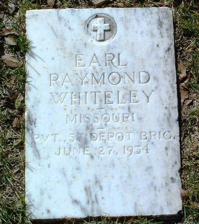 WHITELEY, EARL RAYMOND - Yavapai County, Arizona | EARL RAYMOND WHITELEY - Arizona Gravestone Photos