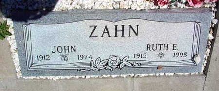 ZAHN, RUTH E. - Yavapai County, Arizona | RUTH E. ZAHN - Arizona Gravestone Photos