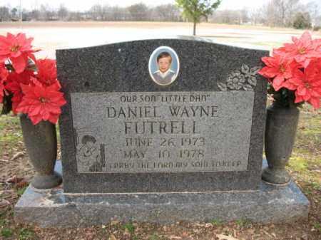 "FUTRELL, DANIEL WAYNE ""LITTLE DAN"" - Cross County, Arkansas | DANIEL WAYNE ""LITTLE DAN"" FUTRELL - Arkansas Gravestone Photos"