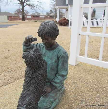 *BRONZE STATUE 2,  - Faulkner County, Arkansas |  *BRONZE STATUE 2 - Arkansas Gravestone Photos