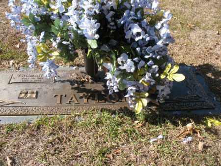 TAYLOR, BEULAH E - Hot Spring County, Arkansas | BEULAH E TAYLOR - Arkansas Gravestone Photos
