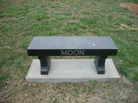 MOON, DENNIE DARLENE (BENCH) - Marion County, Arkansas | DENNIE DARLENE (BENCH) MOON - Arkansas Gravestone Photos