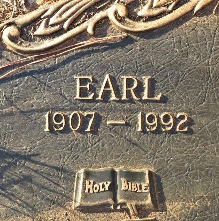 YOUNG, EARL (CLOSEUP) - Miller County, Arkansas   EARL (CLOSEUP) YOUNG - Arkansas Gravestone Photos