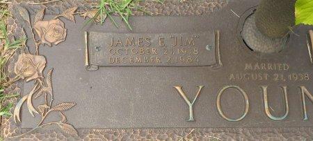 YOUNG, JAMES E. (CLOSEUP) - Miller County, Arkansas | JAMES E. (CLOSEUP) YOUNG - Arkansas Gravestone Photos