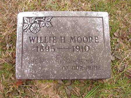 MOORE, WILLIE H - Ouachita County, Arkansas | WILLIE H MOORE - Arkansas Gravestone Photos