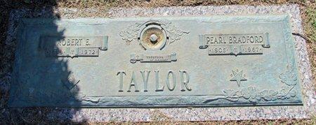 TAYLOR, ROBERT E. - Phillips County, Arkansas   ROBERT E. TAYLOR - Arkansas Gravestone Photos