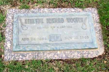 WOOTEN, KENNETH EDWARD - Phillips County, Arkansas   KENNETH EDWARD WOOTEN - Arkansas Gravestone Photos