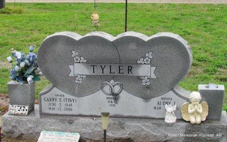 Tyler tiny Tiny Tyler
