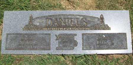 DANIELS, OTIS THURMAN - Washington County, Arkansas | OTIS THURMAN DANIELS - Arkansas Gravestone Photos