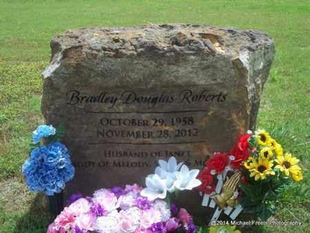 ROBERTS, BRADLEY DOUGLAS - Washington County, Arkansas   BRADLEY DOUGLAS ROBERTS - Arkansas Gravestone Photos