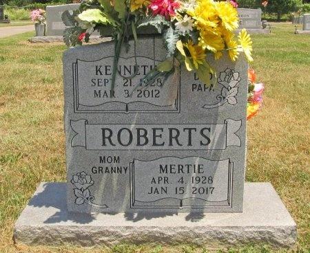 ROBERTS, KENNETH - Washington County, Arkansas | KENNETH ROBERTS - Arkansas Gravestone Photos