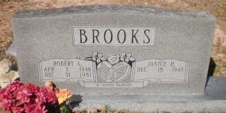 BROOKS, ROBERT L - Ashley County, Arkansas   ROBERT L BROOKS - Arkansas Gravestone Photos