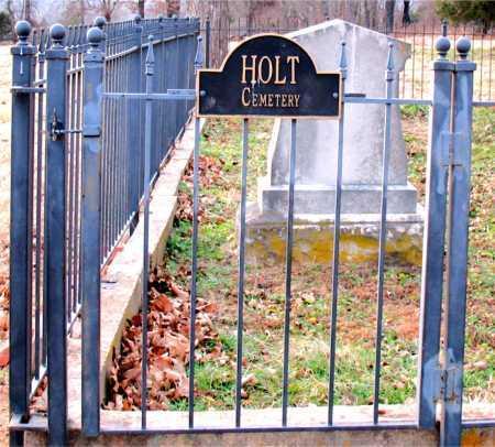 *HOLT CEMETERY GATE,  - Boone County, Arkansas |  *HOLT CEMETERY GATE - Arkansas Gravestone Photos
