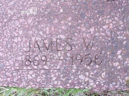 JOHNSON, JAMES W (CLOSE UP) - Bradley County, Arkansas   JAMES W (CLOSE UP) JOHNSON - Arkansas Gravestone Photos