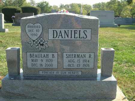 DANIELS, SHERMAN RICHARD AND BEAULAH BEATRICE - Christian County, Illinois | SHERMAN RICHARD AND BEAULAH BEATRICE DANIELS - Illinois Gravestone Photos