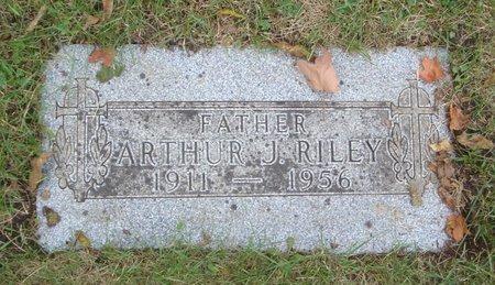 RILEY, ARTHUR J. - Cook County, Illinois | ARTHUR J. RILEY - Illinois Gravestone Photos