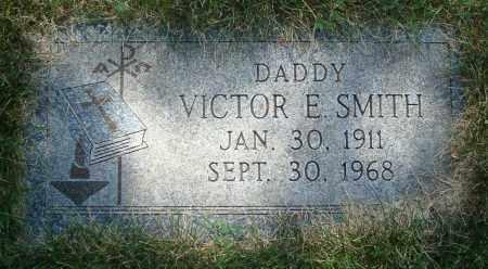 SMITH, VICTOR E. - Cook County, Illinois | VICTOR E. SMITH - Illinois Gravestone Photos