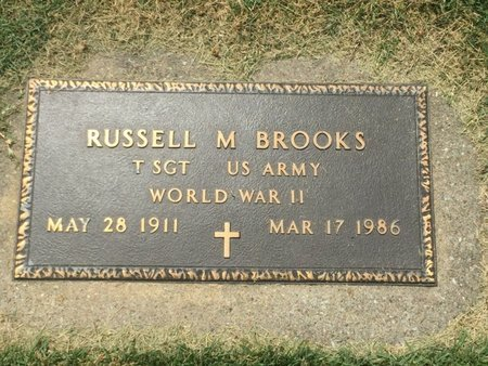 BROOKS (VETERAN WWII), RUSSELL M - Franklin County, Illinois | RUSSELL M BROOKS (VETERAN WWII) - Illinois Gravestone Photos