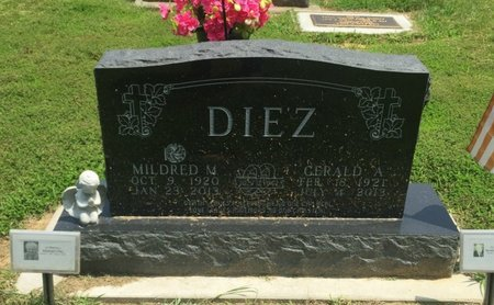 DIEZ, MILDRED M - Jefferson County, Illinois   MILDRED M DIEZ - Illinois Gravestone Photos
