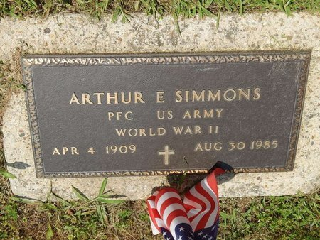SIMMONS (VETERAN WWII), ARTHUR E - Jefferson County, Illinois | ARTHUR E SIMMONS (VETERAN WWII) - Illinois Gravestone Photos