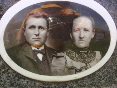 SCHAUDT, JOHN AND THERESE (PHOTOGRAPH) - Perry County, Illinois | JOHN AND THERESE (PHOTOGRAPH) SCHAUDT - Illinois Gravestone Photos
