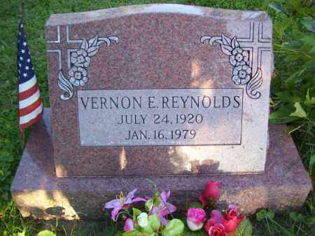 REYNOLDS, VERNON E - Tazewell County, Illinois | VERNON E REYNOLDS - Illinois Gravestone Photos