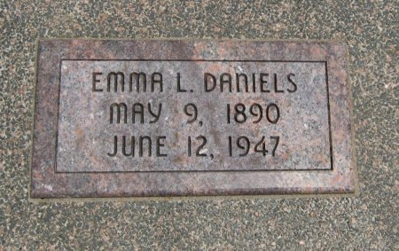 DANIELS, EMMA L - Cowley County, Kansas   EMMA L DANIELS - Kansas Gravestone Photos