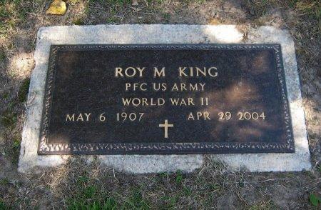 KING, ROY M (VETERAN WWII) - Cowley County, Kansas | ROY M (VETERAN WWII) KING - Kansas Gravestone Photos