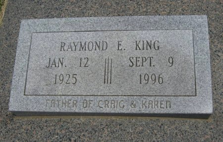 KING, RAYMOND EDWIN (VETERAN WWII) - Cowley County, Kansas | RAYMOND EDWIN (VETERAN WWII) KING - Kansas Gravestone Photos