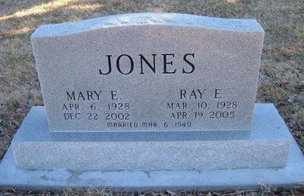 JONES, RAY E  (VETERAN WWII) - Finney County, Kansas | RAY E  (VETERAN WWII) JONES - Kansas Gravestone Photos