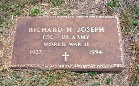 JOSEPH, RICHARD HAROLD (VETERAN WWII)  - Ford County, Kansas | RICHARD HAROLD (VETERAN WWII)  JOSEPH - Kansas Gravestone Photos