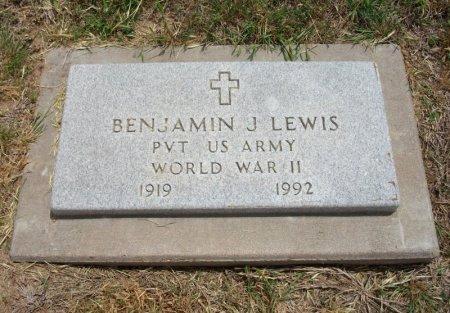 LEWIS, BENJAMIN J (VETERAN WWII) - Ford County, Kansas   BENJAMIN J (VETERAN WWII) LEWIS - Kansas Gravestone Photos