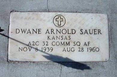 SAUER, DWANE ARNOLD (VETERAN) - Kearny County, Kansas   DWANE ARNOLD (VETERAN) SAUER - Kansas Gravestone Photos
