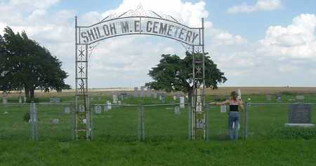 *GATE AND OVERVIEW, SHILOH CEMETERY - Mitchell County, Kansas | SHILOH CEMETERY *GATE AND OVERVIEW - Kansas Gravestone Photos