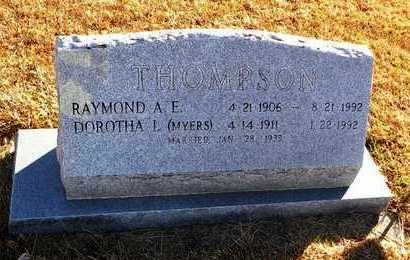 THOMPSON, RAYMOND A E - Pottawatomie County, Kansas | RAYMOND A E THOMPSON - Kansas Gravestone Photos