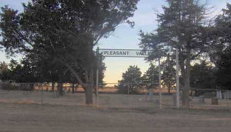 *OVERVIEW, PLEASANT VALLEY CEMETERY - Pratt County, Kansas | PLEASANT VALLEY CEMETERY *OVERVIEW - Kansas Gravestone Photos