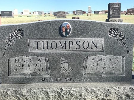 THOMPSON, ROBERT W - Stevens County, Kansas   ROBERT W THOMPSON - Kansas Gravestone Photos