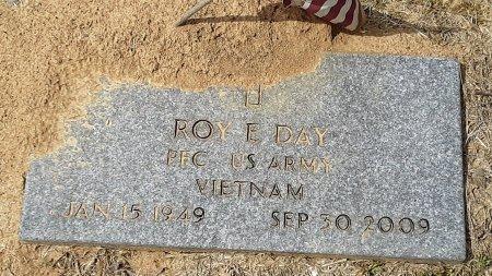 DAY  , ROY E (VETERAN VIET) - Franklin County, Louisiana | ROY E (VETERAN VIET) DAY   - Louisiana Gravestone Photos
