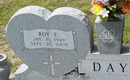 DAY, ROY E (CLOSE UP) - Franklin County, Louisiana | ROY E (CLOSE UP) DAY - Louisiana Gravestone Photos