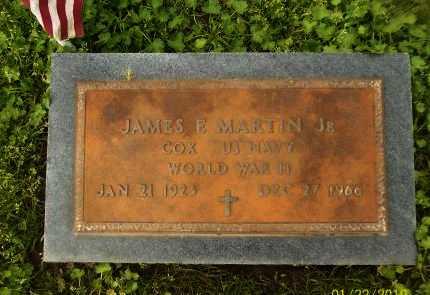 MARTIN  , JAMES E,JR (VETERAN WWII) - Franklin County, Louisiana | JAMES E,JR (VETERAN WWII) MARTIN   - Louisiana Gravestone Photos