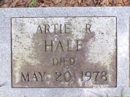 HALE, ARTIE AZELLA (CLOSE UP) - St. Tammany County, Louisiana | ARTIE AZELLA (CLOSE UP) HALE - Louisiana Gravestone Photos