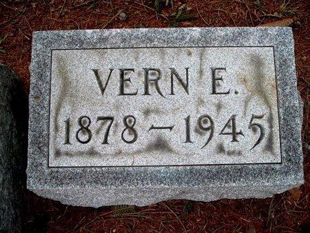 BROWN, VERN - Calhoun County, Michigan   VERN BROWN - Michigan Gravestone Photos