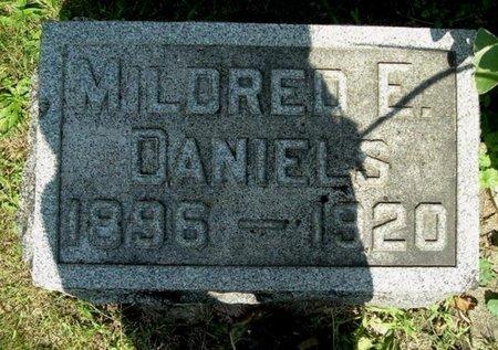 DANIELS, MILDRED E - Calhoun County, Michigan   MILDRED E DANIELS - Michigan Gravestone Photos