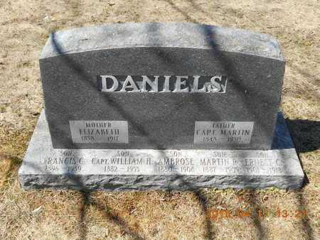DANIELS, ERNEST C - Marquette County, Michigan | ERNEST C DANIELS - Michigan Gravestone Photos